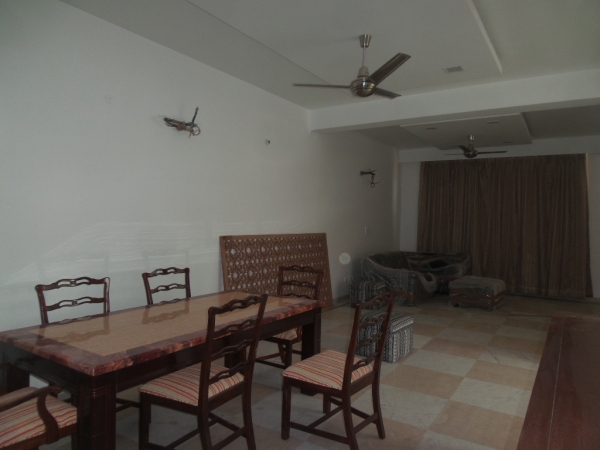 2 BHK Apartment for Rent in IFS Apartments - Living Room