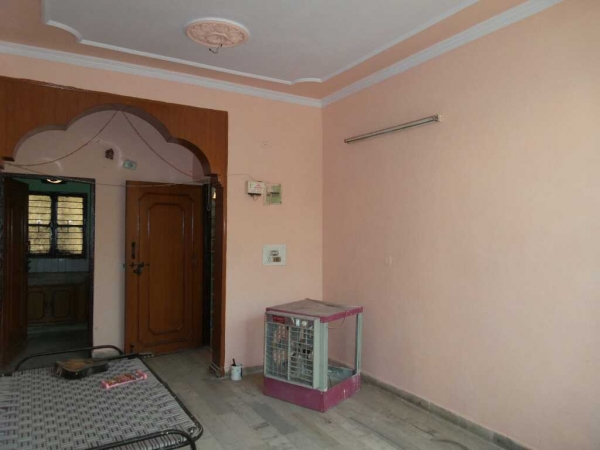 2 BHK Apartment for Rent in Oriental Enclave - Living Room