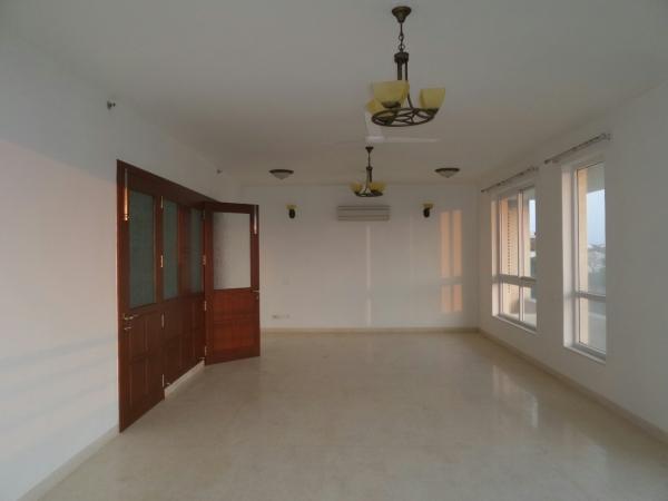 4 BHK Apartment for Rent in Vatika City - Living Room