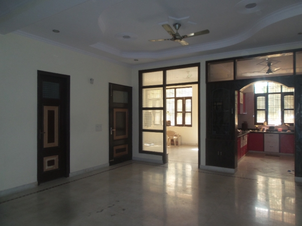2 BHK Apartment for Rent in SDS NRI Residency - Living Room