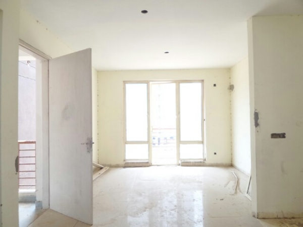 3 BHK Apartment for Sale in Dhingra California Country - Living Room