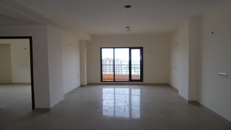 2 BHK Apartment for Sale in Ajnara Ambrosia - Living Room