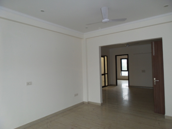 3 BHK Apartment for Rent in Suvidha Apartment - Living Room
