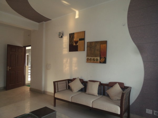 2 BHK Apartment for Rent in Maxblis White House 2 - Living Room