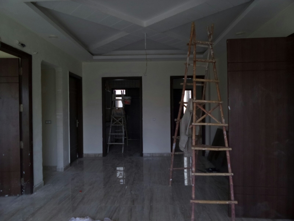 2 BHK Floor for Rent in Omaxe Mayfield Garden - Living Room