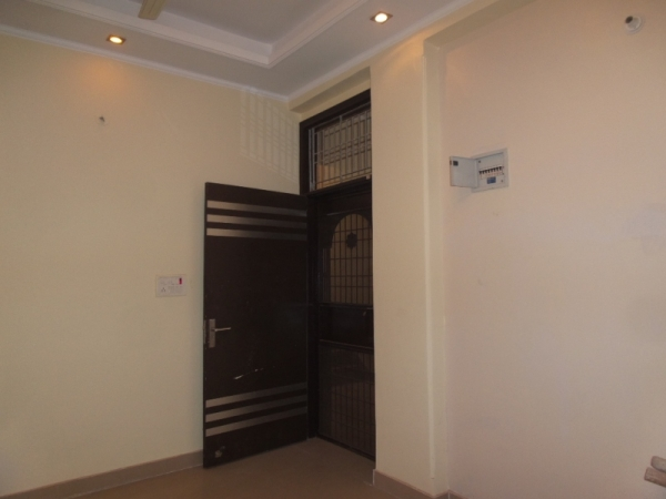 2 BHK Apartment for Rent in DDA Amrapali Apartment - Living Room