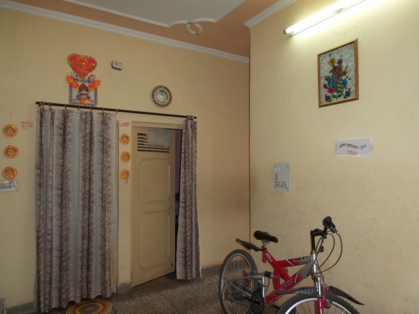 2 BHK House for Rent in DLF Pink Town House - Living Room