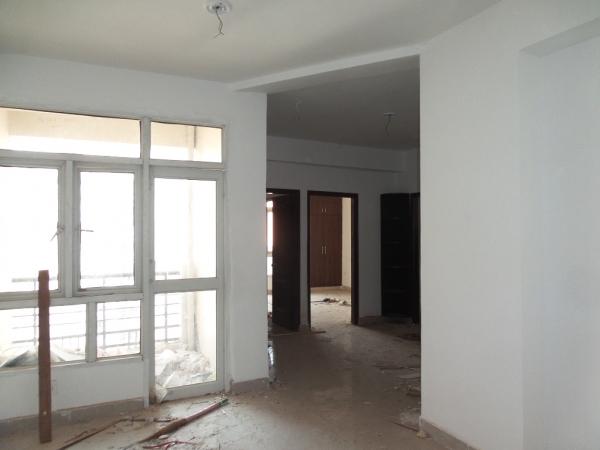 2 BHK Apartment for Rent in Three C Lotus Boulevard - Living Room