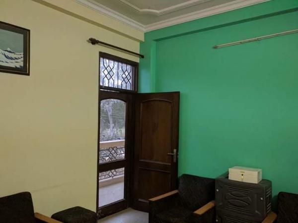 1 BHK Floor for Rent in Ansal Sushant Lok 1 - Bedrooms