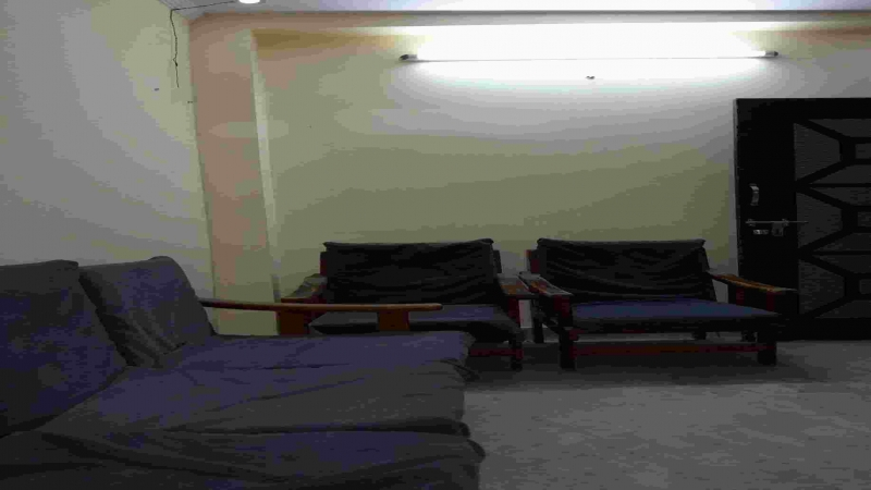 1 BHK Floor for Rent in Mukhram Garden New Delhi - Living Room