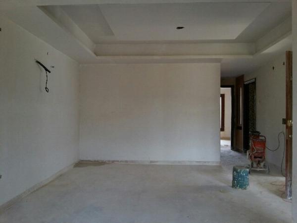 2 BHK Apartment for Rent in Ashray Sunischit Apartment - Living Room
