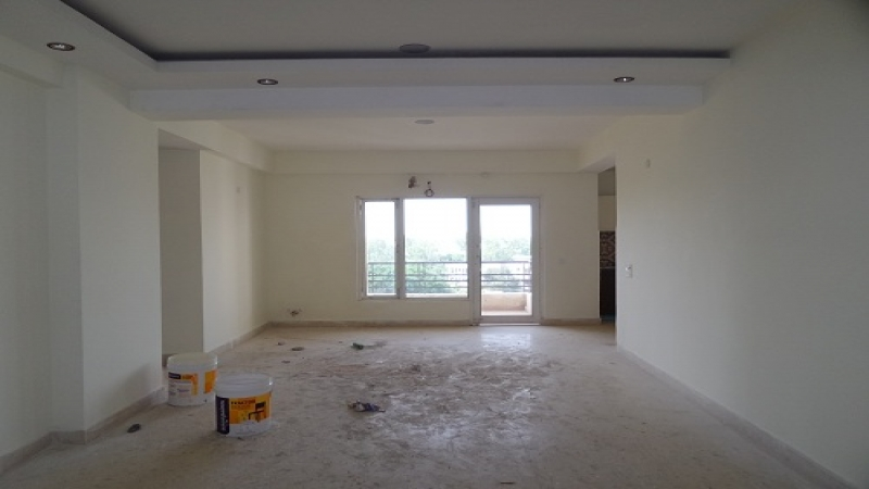 2 BHK Floor for Rent in Eldeco Green Meadows - Living Room