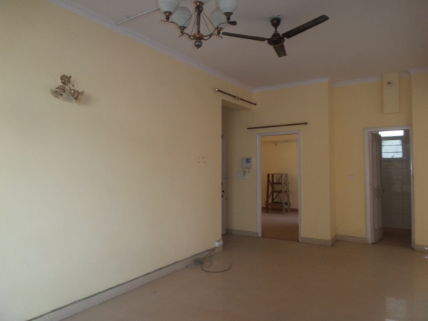3 BHK Apartment for Rent in Amrapali Eden Park - Living Room