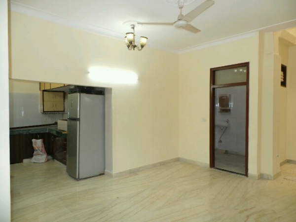 2 BHK Floor for Sale in Sector 15 Faridabad - Living Room