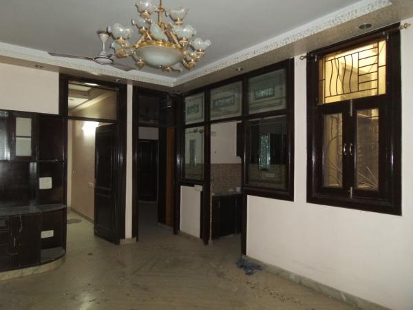 2 BHK Apartment for Rent in Shakti Kunj Apartments - Living Room