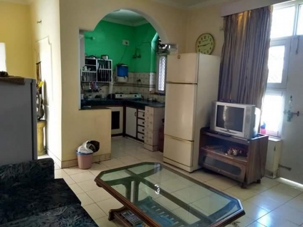 2 BHK Apartment for Rent in Ansal API Valley View Estate - Living Room