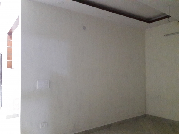 3 BHK Floor for Sale in Sector 91 Faridabad - Living Room
