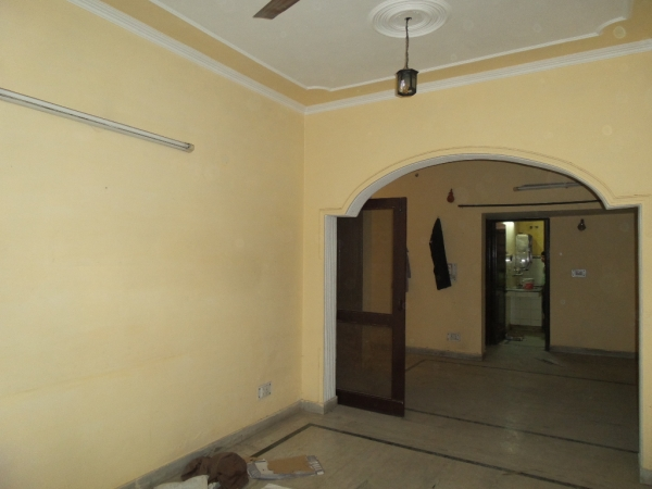 2 BHK Apartment for Rent in Arya Nagar Apartments - Living Room
