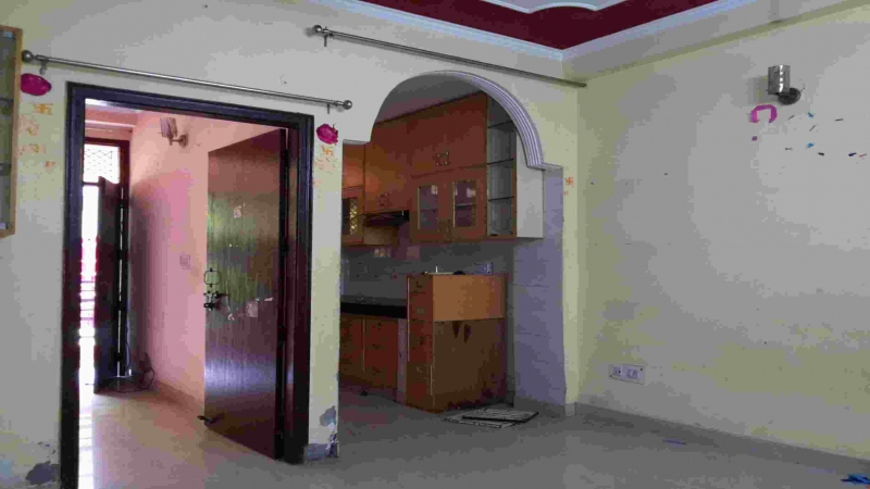 1 BHK Floor for Sale in Tilak Nagar New Delhi - Living Room