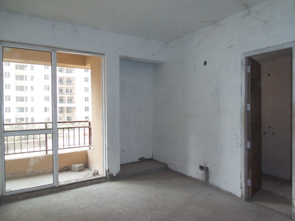 2 BHK Apartment for Sale in Express Zenith - Living Room
