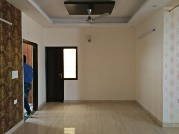 3 BHK Floor for Rent in Chattarpur Enclave Phase 1 New Delhi - Living Room