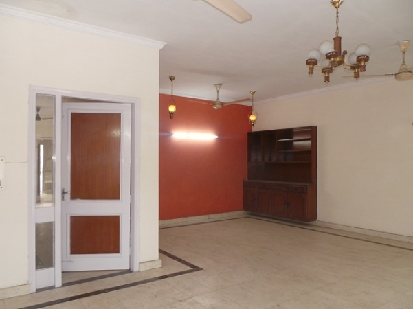 4 BHK Floor for Sale in Ashoka Enclave Faridabad - Living Room