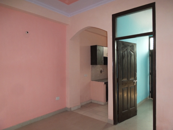 2 BHK Apartment for Rent in Dilshad Garden New Delhi - Living Room