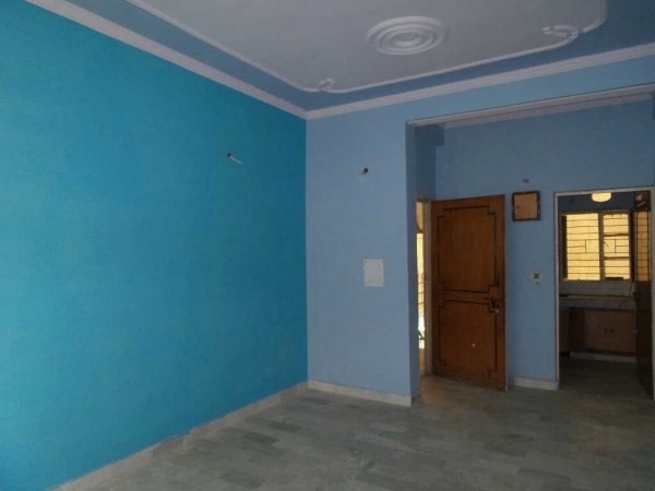 2 BHK Apartment for Rent in RWA Shiv Vihar Phase 1 - Living Room