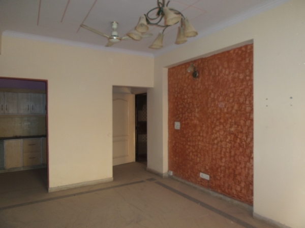 2 BHK Apartment for Rent in Reserve Bank Aashiana Apartments - Living Room