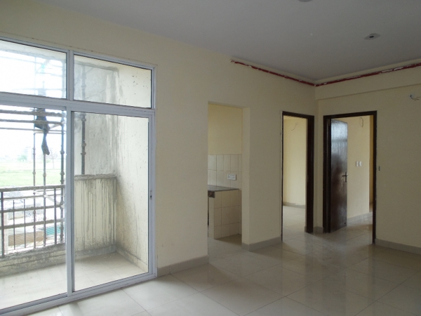 2 BHK Apartment for Sale in Amrapali Pan Oasis - Living Room