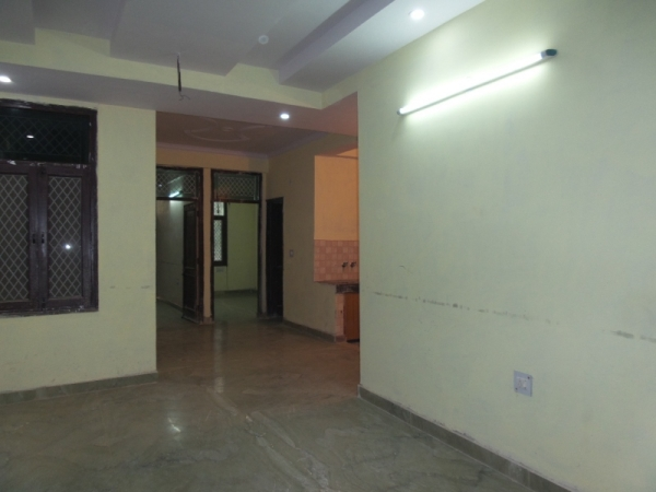 2 BHK Apartment for Rent in Rishabh Vihar RWA - Living Room