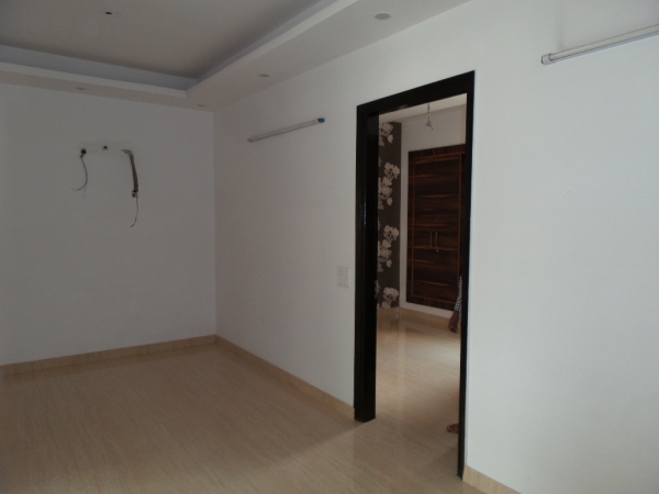 3 BHK Apartment for Rent in Shristi Apartments - Living Room