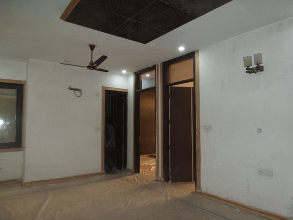 2 BHK Apartment for Rent in Vardan Apartments - Living Room