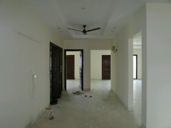 3 BHK Floor for Rent in Suncity Township - Living Room
