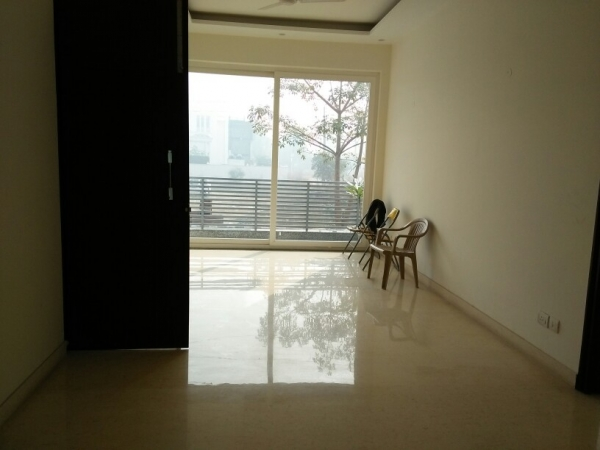 3 BHK Apartment for Rent in Jeevan Tara Apartment - Living Room