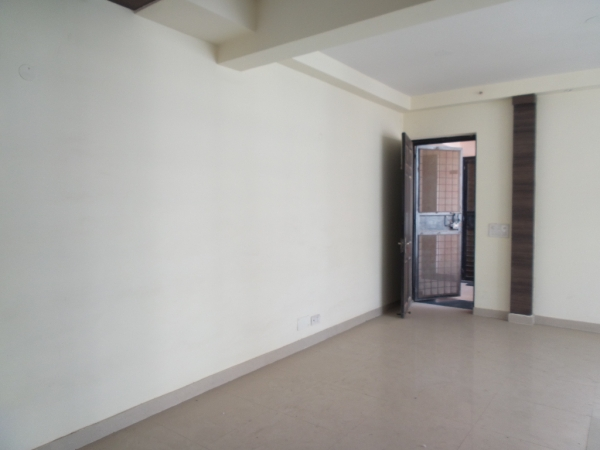 2 BHK Apartment for Rent in Parsvnath Srishti - Living Room