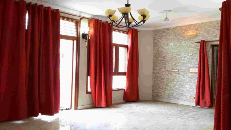 2 BHK Floor for Sale in Tilak Nagar New Delhi - Living Room