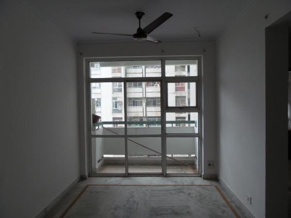 3 BHK Floor for Rent in Ardee City - Living Room