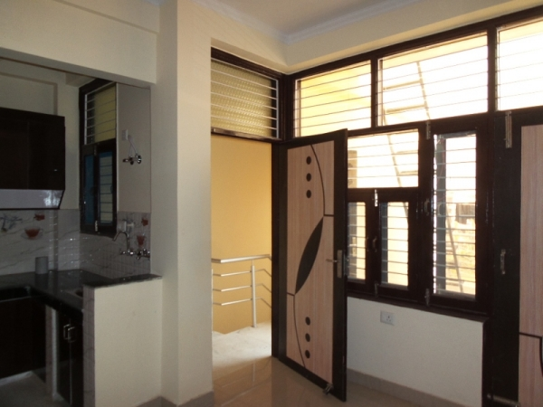 1 BHK Apartment for Rent in Anand Vihar New Delhi - Living Room