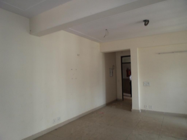2 BHK Apartment for Sale in Mahagun Maple - Living Room