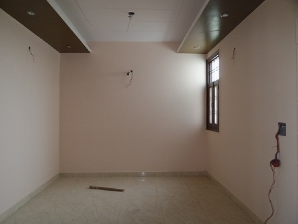 3 BHK Floor for Rent in Sector 41 Faridabad - Living Room