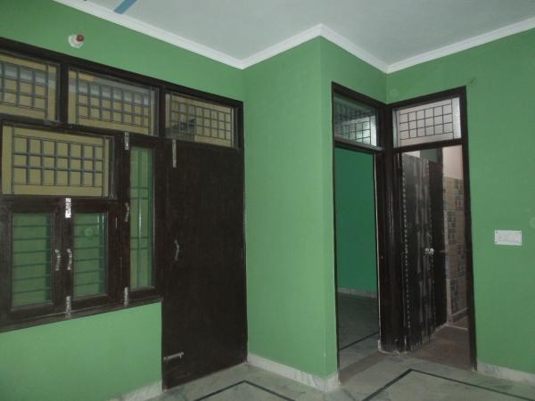 2 BHK Apartment for Rent in Milan Vihar - Living Room