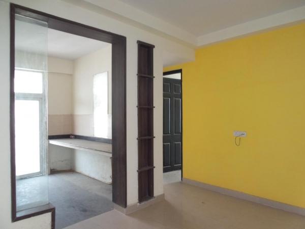 2 BHK Apartment for Rent in RWA Mausam Vihar - Living Room