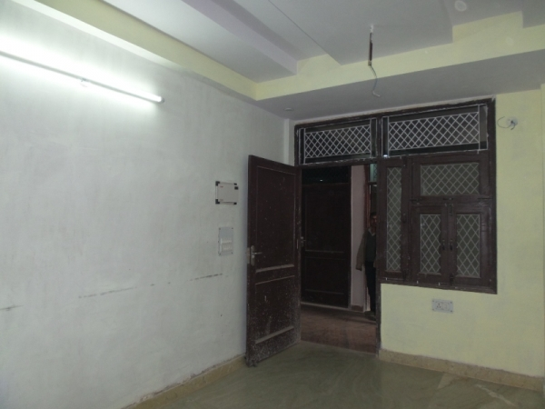 3 BHK Apartment for Rent in Kanungo Cooperative Group Housing Societ... - Living Room