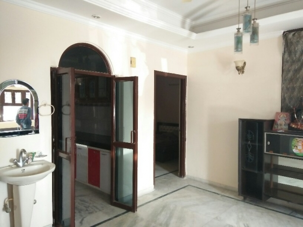 3 BHK Floor for Rent in Orchid Island - Living Room
