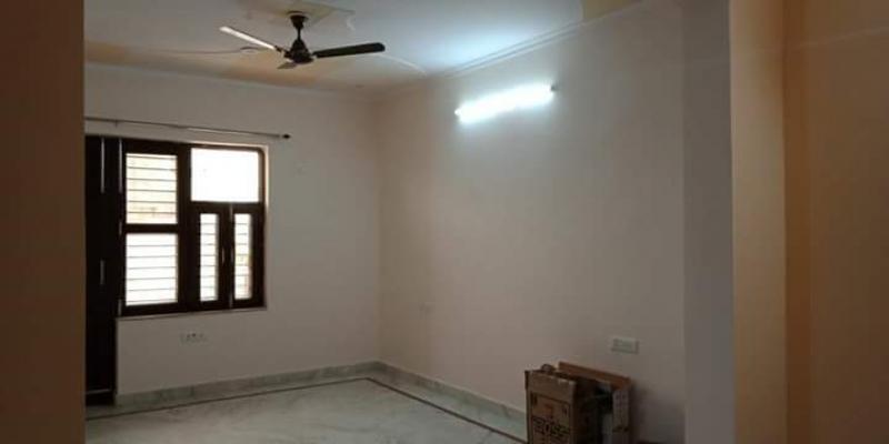 3 BHK Apartment for Rent in Rail Vihar - Living Room