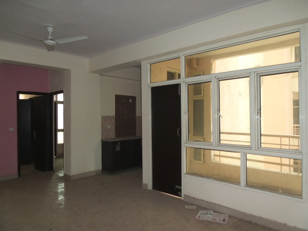 2 BHK Apartment for Rent in Mapsko Krishna Apra Residency - Living Room