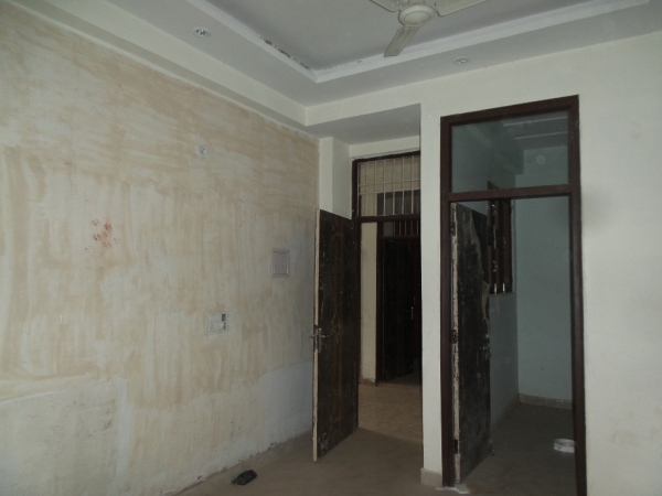 2 BHK Apartment for Rent in Kiran Vihar New Delhi - Living Room