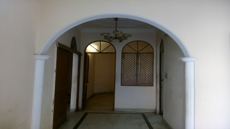 1 BHK Floor for Rent in Uttam Nagar New Delhi - Living Room