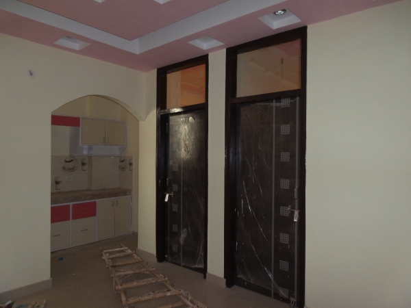 2 BHK Apartment for Rent in Bathalla Apartments - Living Room